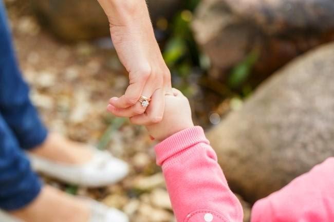 Los bebés son los culpables del patriarcado, según nuestros políticos